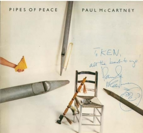 PAUL McCARTNEY 「PIPES OF PEACE」のLPに書いたサイン